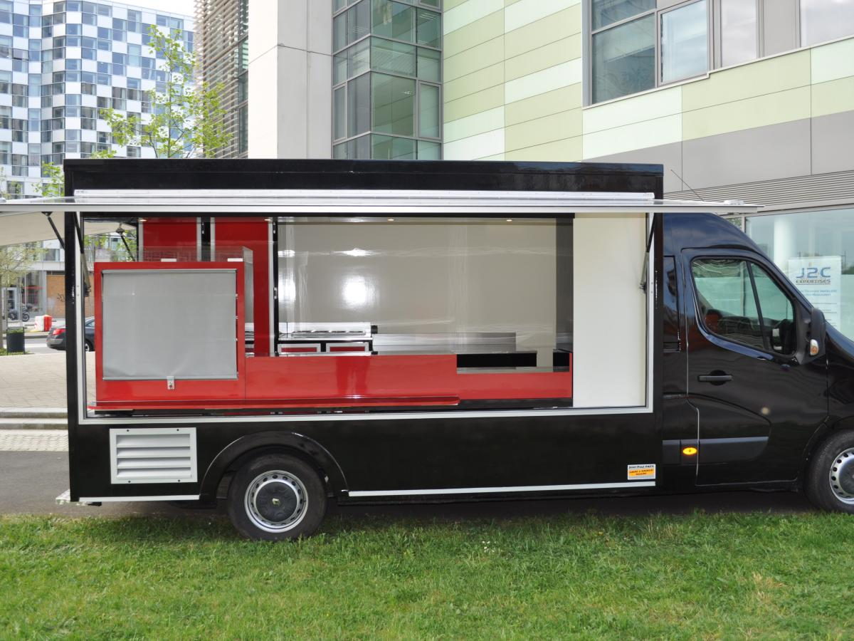 camion food truck pizza restauration rapide r tisserie. Black Bedroom Furniture Sets. Home Design Ideas